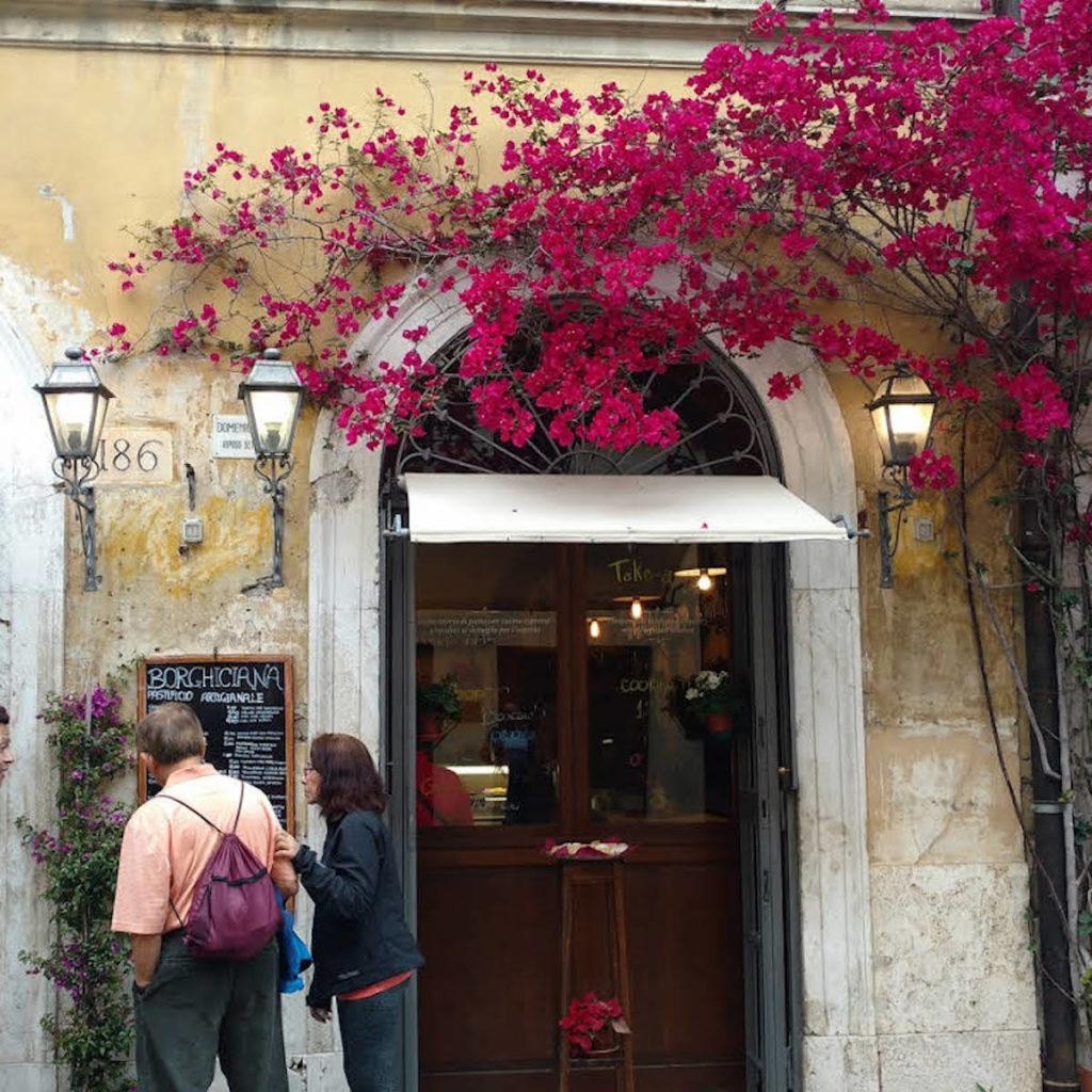 Proche du Vatican, ce restaurant propose des délicieuses pâtes fraîches, que vous pouvez acheter pour en faire chez vous.