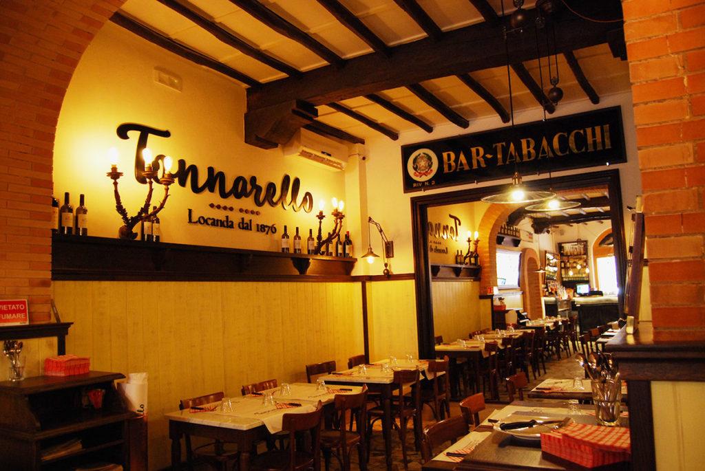 Tonnarello est un restaurant situé dans le Trastevere à Rome qui propose un large choix de plats dont des pâtes délicieuses.