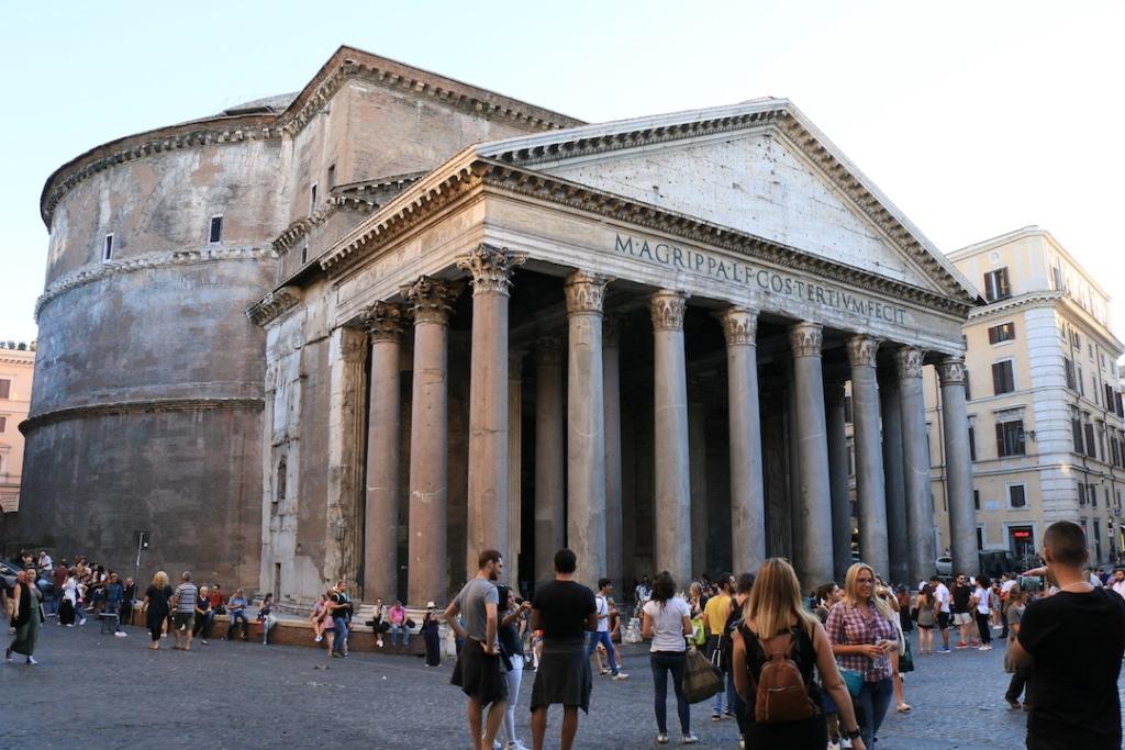 Le Panthéon vue d'extérieur à Rome