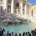 Vue panoramique de la Fontaine de Trevi à Rome