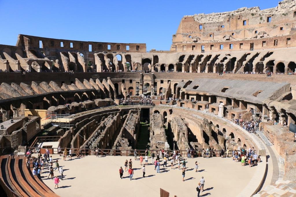 Les arènes du Colisée à Rome