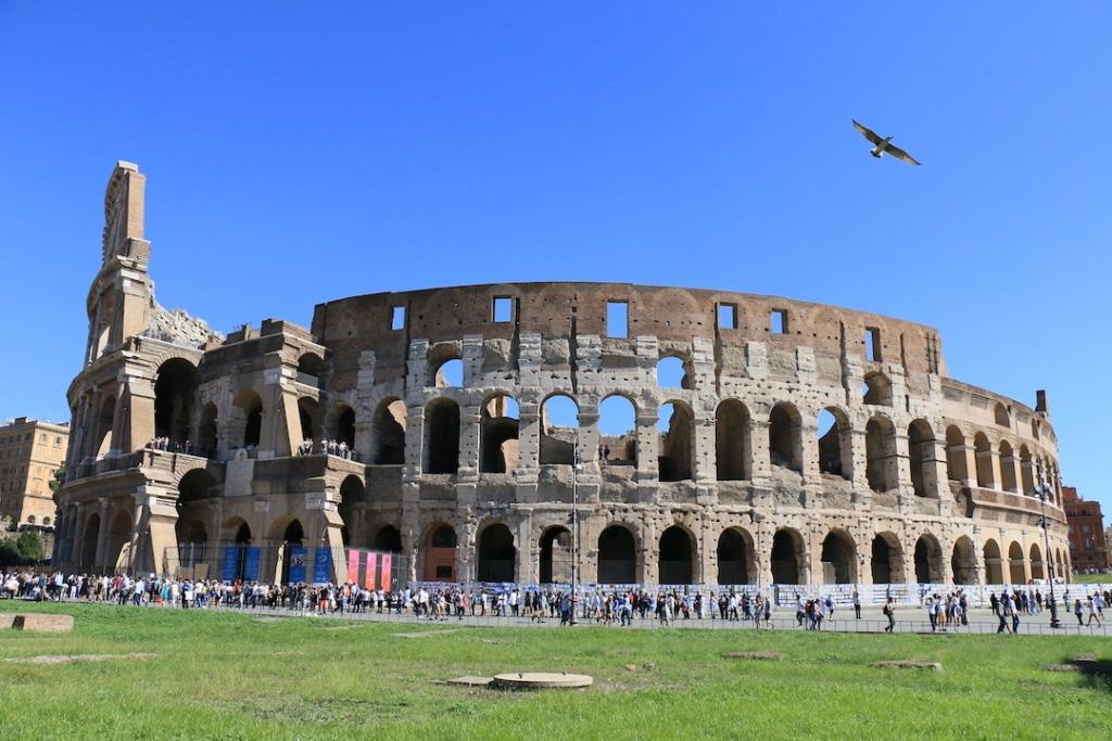Vue panoramique du Colisée de Rome