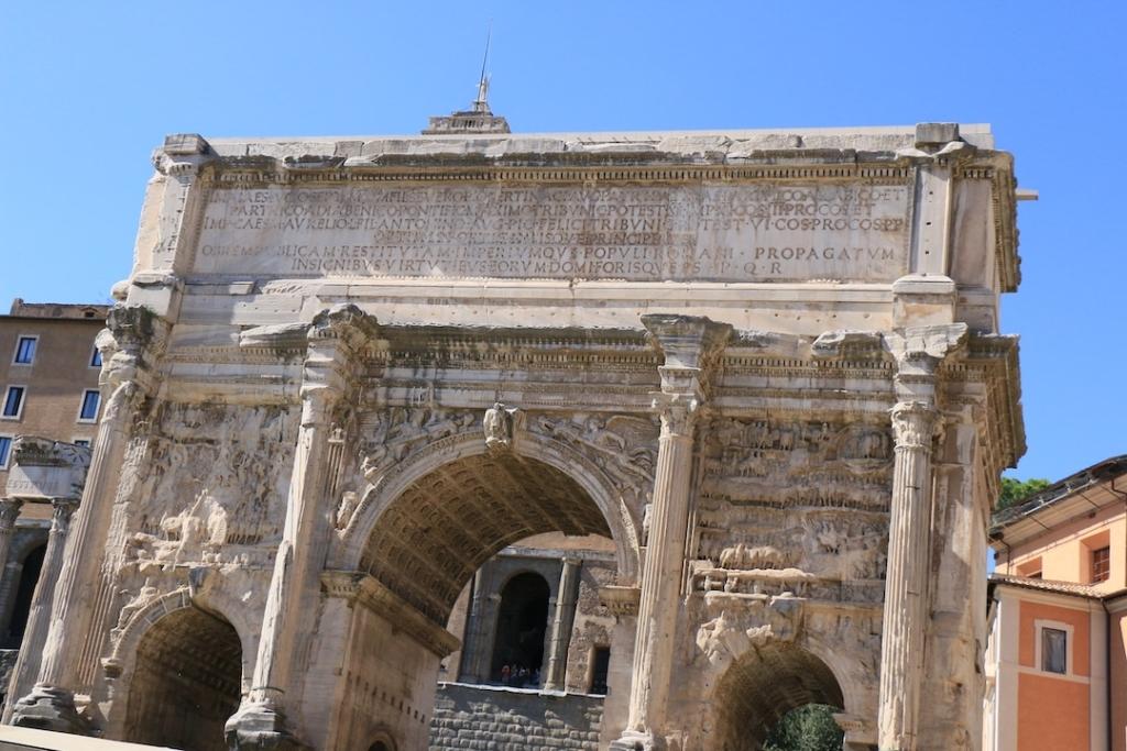 Arc de Septième Sévère dans le Forum Romain à Rome