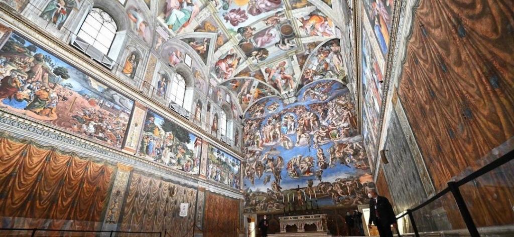 Intérieur de la Chapelle Sixtine au Vatican