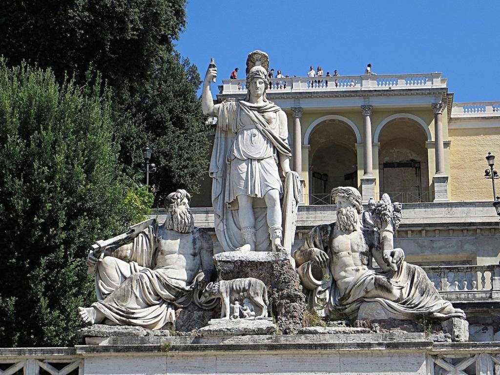 Fontana della Dea di Roma située sur la Piazza del Popolo à Rome