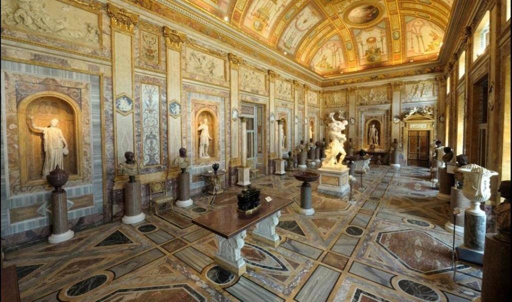 Intérieur de la Galerie Borghese à Rome