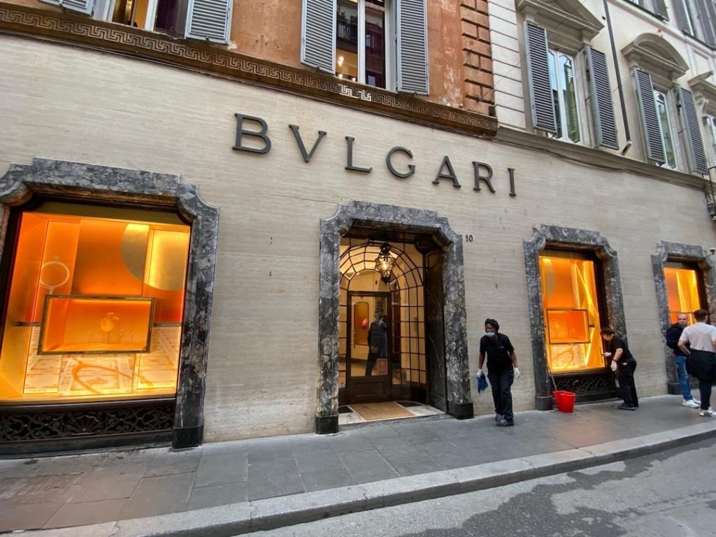 Devanture de la boutique Bvlgari à Rome