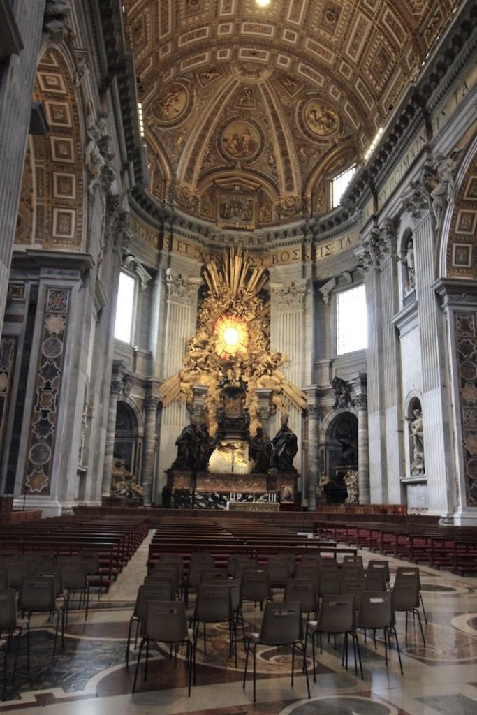 Chaire Saint Pierre dans la basilique Saint Pierre à Rome