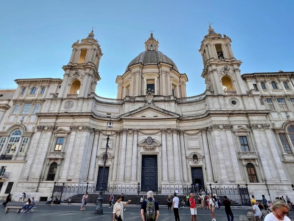 Église Sainte Agnès en Agone sur la Pizza Navona à Rome