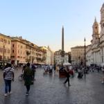 Piazza Navona avec l'obélisque en fond