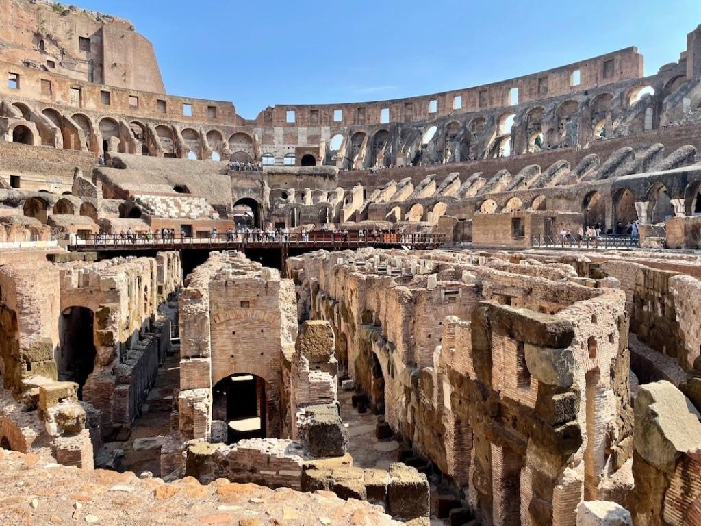 Souterrains du Colisée de Rome vu d'en haut